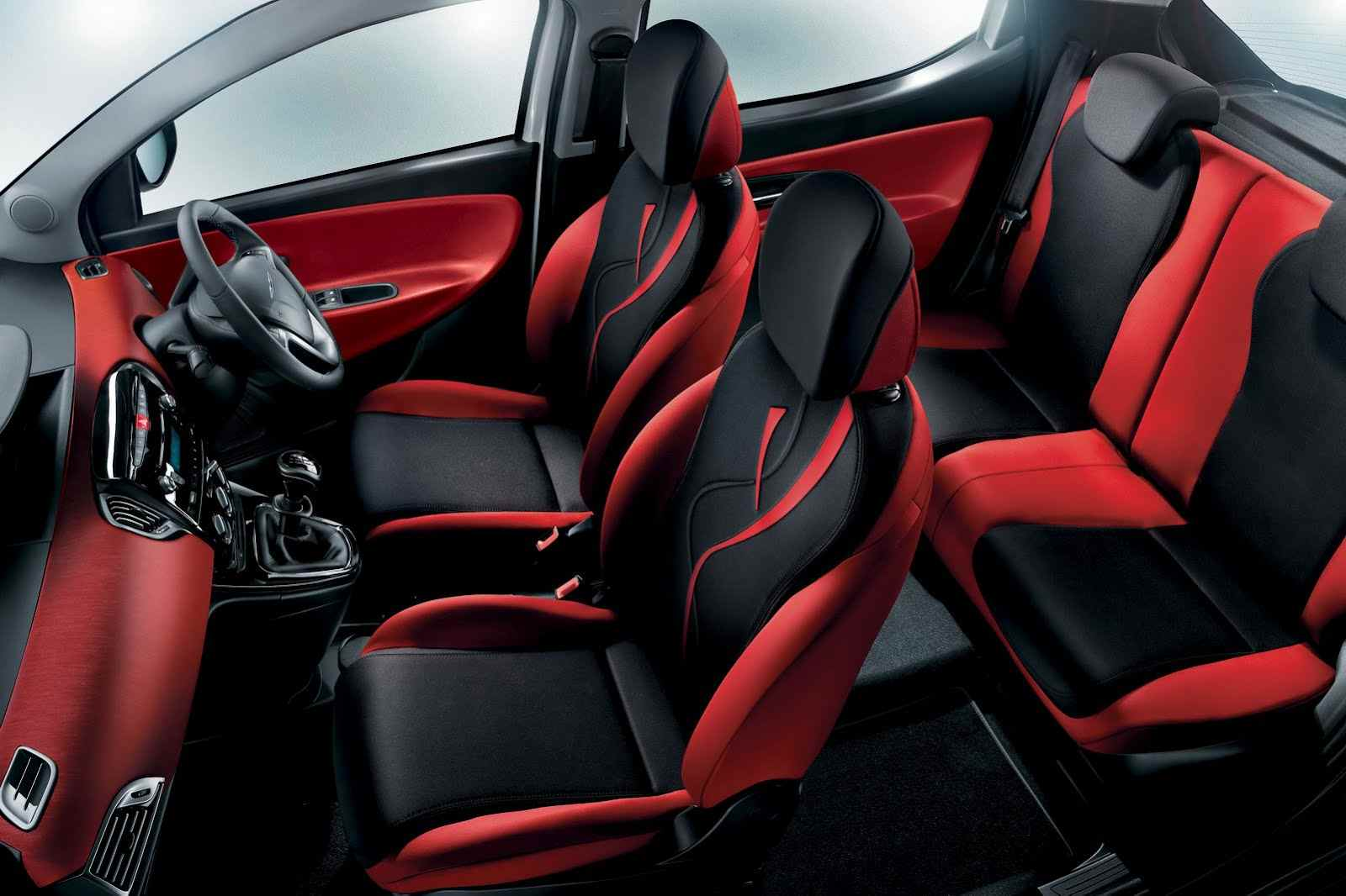 chrysler-ypsilon-black-red-1.jpg